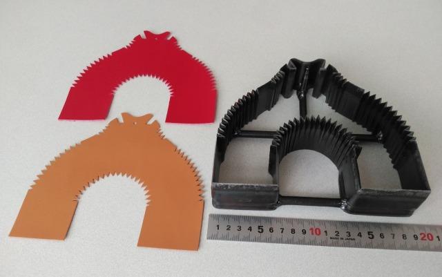 ランドセルフラップ止め抜型刃物と裁断革