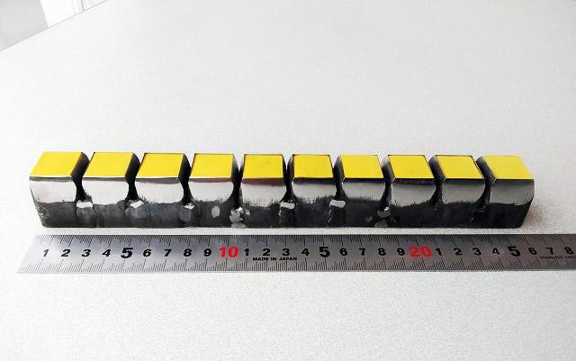 20×20×10個取り(ゴム、プラスチック)試験片抜き刃